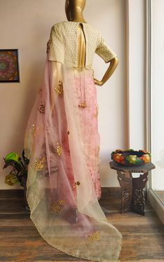 Featuring this beautiful Pastel Half printed, half Shaded saree in Organza base with hand embroidered gota patti bootis all over. The pleats part is Digital Printed Organza and the Palla is Ombre dyed Organza with Gota Patti handwork bootas. ... www.labelkanupriya.com ... #organzasaree #designersaree #floral #designerblouse Pink Saree Blouse, Saree Dress, Saree Blouse Designs, Gota Patti Saree, Saree Border, Saree Photoshoot, Organza Saree, Saree Models, Embroidered Blouse
