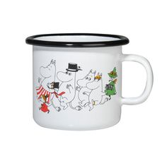 This colorful mug features the Moomin family. Durable and easy to take care of, makes the mug perfect for your home. Muurla combines design with durability in this retro enamel mug. Moomin Shop, Moomin Mugs, Flower Centerpieces, Table Centerpieces, Les Moomins, Moomin Valley, Tove Jansson, Cute Mugs, Deco Design