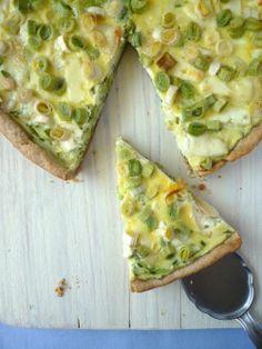 Póréhagymás cukkinis pite kecskesajttal Vegetable Pizza, Bread, Vegetables, Food, Vegetable Recipes, Eten, Veggie Food, Bakeries, Meals