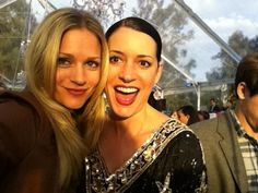 Criminal Minds Behind The Scenes (courtesy A.J. Cook). Seriously gorgeous ladies. I would give ANYTHING to meet AJ cook
