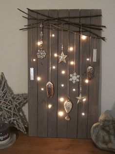 Christmas DIY decorations easy and cheap – christmas decorations Rustic Christmas, Simple Christmas, Christmas Home, Christmas Crafts, Christmas Ideas, Christmas Quotes, Outdoor Christmas, Easy Christmas Decorations, Christmas Wreaths