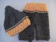 Knit baby pants and pixie hat set - two colours - Newborn. $30,00, via Etsy.
