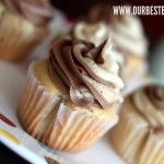 Tutorial on how to make swirled icing on cupcakes. Much better than how I was doing it!