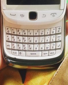 "#inst10 #ReGram @johangustiawan: Q w e r t y u i o P  A s d f g h j k L  Z x c v b n M  The typical Blackberry is qwerty  #blackberry #blackberryos7 #qwerty #blackberrygram #blackberryclubs . . . . . . (B) BlackBerry KEYᴼᴺᴱ Unlocked Phone ""http://amzn.to/2qEZUzV""(B) (y) 70% Off More BlackBerry: ""http://ift.tt/2sKOYVL""(y) ...... #BlackBerryClubs #BlackBerryPhotos #BBer ....... #OldBlackBerry #NewBlackBerry ....... #BlackBerryMobile #BBMobile #BBMobileUS #BBMobileCA ....... #RIM #QWERTY…"