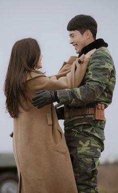 Crash Landing On You-K Drama_id-Subtitle Korean Drama Funny, Korean Drama Quotes, Korean Drama Movies, Korean Actors, Korean Actresses, Hyun Bin, Best Kdrama, Jung Hyun, Kpop Couples