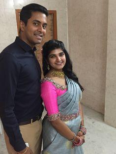 Pink & Grey Pattu Saree Blouse Designs, Fancy Blouse Designs, Bridal Blouse Designs, Kurta Designs, Saree With Belt, Stylish Blouse Design, Sumo, Fancy Sarees, Grey Saree
