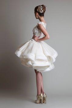 Vestido de noiva de Krikor Jabotian. #casamento #vestidodenoiva #curto Bridesmaid