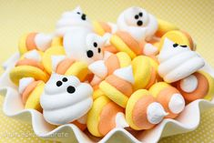 MBC: {Candy Corn Week} Candy Corn Meringues, printable, and round up!