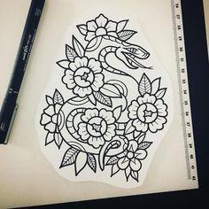 Future Tattoos, Love Tattoos, Beautiful Tattoos, Black Tattoos, Body Art Tattoos, Traditional Snake Tattoo, Traditional Tattoo Design, Traditional Tattoo Stencils, Dibujos Tattoo
