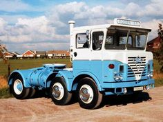 - My old classic car collection Antique Tractors, Old Tractors, Old Classic Cars, Classic Trucks, New Trucks, Cool Trucks, Trailers, Old Lorries, Heavy Duty Trucks