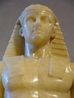 """https://flic.kr/p/Koq6Fq   """"Horus Albani"""" (détail). Siège, jambes et avant-bras : règne de Ramsès II (1279-1213 avant JC). Partie supérieure : seconde moitié du 18ème siècle. Musée du Louvre."""