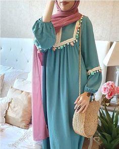 Kaftan dresses in neutrals Iranian Women Fashion, Islamic Fashion, Muslim Fashion, Mode Abaya, Mode Hijab, Abaya Fashion, Fashion Dresses, Simple Pakistani Dresses, Hijab Trends
