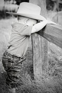 little cowboy - Baby Hair One Year Pictures, First Year Photos, Baby Boy Pictures, Baby Photos, Newborn Pictures, Western Baby Pictures, Cowboy Girl, Little Cowboy, Cowboy Cowboy