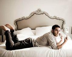 Llegó la hora de dormir y me dispongo a soñar con el bombón mas majo que existe @miguelangelsilvestre  Buenas noches �������������� #miguelangelsilvestre #sense8season2 #litorodriguez #velvet #albertomárquez #narcosseason3 #franklinjurado #sintetasnohayparaiso #rafaelduque #volandosinmotor #español #actor #España #handsome #elmejor #gentleman #model #elegant #celebrity #thebest http://tipsrazzi.com/ipost/1522965919436009485/?code=BUiqW9JAnAN