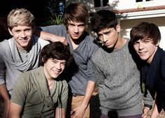 One Direction. Niall Horan, Zayn Malik, Liam Payne, Harry Styles and Louis Tomlinson. One Direction 2011, Grupo One Direction, Fetus One Direction, 0ne Direction, Direction Quotes, Zayn Malik, Niall Horan, Anti Bullying Video, Bullying Videos