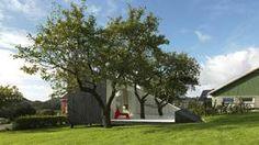 SLICE: Arkitekten kalte den Slice, Steinar Jørgensen kaller den bare hagestuen. Knapt ett år etter den sto ferdig, har den allerede vakt oppsikt. Plutselig dukker den opp på mange utenlandske nettsider. Foto fra arkitektkontoret.