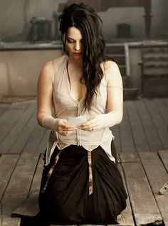 Amy the Snow withe queen Beautiful Celebrities, Beautiful People, Amy Lee Evanescence, Miranda Kerr, Female Singers, Gothic Girls, Record Producer, Rock Bands, Beauty Women