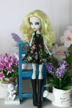 Dress with bow for Monster High / Ever After High dolls 1/6 size