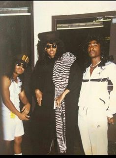 Tupac clowing around with Digital Underground. ..#Classic