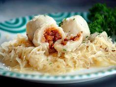 Foto: Innviertler Speckknödel Austrian Recipes, Dumpling, Mashed Potatoes, Ethnic Recipes, Food, Life, Chef Recipes, Potato Salad, Quick Recipes