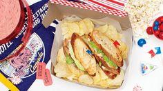 Une recette de club sandwich au proscuitto et tomates séchées, présentée sur Zeste.tv
