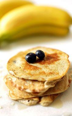 Rezept für 5-Minuten-Pancakes: Ob zum Frühstück oder zum Abendessen - diese köstlichen Pancakes von Simple et Chic schmecken einfach immer. Ein bisschen frisches Obst dazu und schon könnt ihr es euch schmecken lassen.