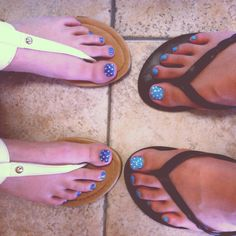 Matching Nails with rhinestone toes !