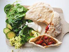 Czekoladowa kraina: Chlebek pita (razowy) Palak Paneer, Food And Drink, Ethnic Recipes