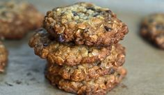 Gluten-Free Superfood Oatmeal Cookies  | Healthworks | Superfood Breakfast Recipes | Best Superfoods | Vegan | Quinoa Recipes | Goji Berries | Chia Seeds | Gluten Free | Coconut Flour | Whole 30 | Paleo Diet | Maca Powder | Unsweetened Cocao | Matcha Tea | Cacao Powder and Nibs | Vegetarian Lunch | Low Carb | Healthy Snacks | Clean Eating Ideas | Plant based Dinner Ideas | Meatless Monday | Smoothies | Juicing |