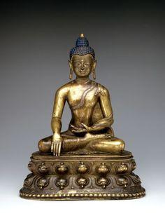 Buddha Sakyamuni (or Tathagata Akshobhya). Bronze; Central Tibet, 15th century; h 42 cm, Inv. No. SA 36800S, photo: A. Dreyer