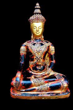 Antique Buddha Sculpture, Buddha Statues, Buddha Images and Art Amitabha Buddha, Gautama Buddha, Buddha Buddhism, Buddha Art, Buddha Statues, Temples, Thailand Pictures, Laos, Taipei