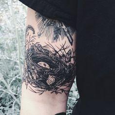 Vogel Tattoo Designs und Bedeutungen - Brenda O. Pretty Tattoos, Unique Tattoos, Beautiful Tattoos, Botanisches Tattoo, Tattoo Trend, Tattoo Bird, Fawn Tattoo, Nature Tattoos, Body Art Tattoos