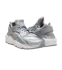 310814862747 NIKE SPORTSWEAR WOMENS AIR HUARACHE RUN SE Silver Women s Low Top Sneakers