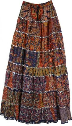 I plan on making a shortened version of a gypsy skirt for my final illustration and skirt design. I would make the length of this skirt above knee length with about four tiers. I plan on using a different fabric for each tier just like in the image. Bohemian Maxi Skirt, Hippie Skirts, Gypsy Skirt, Boho Skirts, Maxi Skirts, Maxi Skirt Outfits, Boho Outfits, Dress Skirt, Mode Hippie