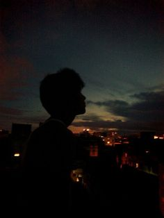 Night Aesthetic, Aesthetic Boy, Aesthetic Photo, Aesthetic Pictures, Dark Photography, Night Photography, Boy Tumblr, Silhouette Pictures, Adventure Aesthetic