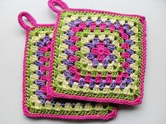 With any granny square pattern you have you can transform it into a lovely present by adding. Potholder Patterns, Crochet Potholders, Easy Crochet Patterns, Crochet Designs, Knitting Patterns, Granny Square Crochet Pattern, Crochet Motif, Free Crochet, Knit Crochet