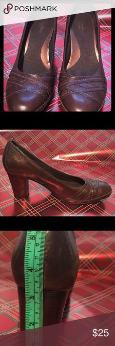Shoes size 12 Size 12m women's brown leather shoes.  Clark's artisan.  31/2 heels Clarks Shoes Heels