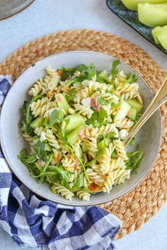 Healthy Diet Recipes, Healthy Meals For Kids, Healthy Foods To Eat, Healthy Eating, Pasta Salad With Tortellini, Pasta Salad Italian, Best Tuna Salad Recipe, Lunch Restaurants, Sweet Potato Noodles