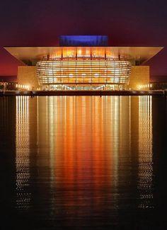Operahuset Denmark - A beautiful building!