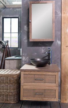 Het Berlin Badmeubel is gemaakt van massief eikenhout. Het is een hangend meubel voorzien van twee lades. De lades hebben een soft-closed sluiting en opbergruimte voor uw badkamerbenodigdheden. Bij dit badmeubel leveren wij een waskom. #badkamer #badmeubel #berlijn #waskom #hout #intrieur Vanity, Bathroom, Dressing Tables, Washroom, Powder Room, Vanity Set, Bath Room, Single Vanities, Bath