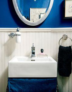 Mini salle de bains, couleurs audacieuses | Décormag
