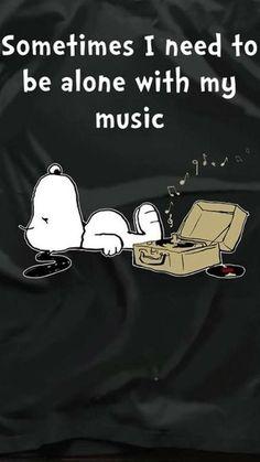 Snoopy and music Meu Amigo Charlie Brown, Charlie Brown And Snoopy, Peanuts Quotes, Snoopy Quotes, Snoopy Love, Snoopy And Woodstock, Music Love, Music Is Life, My Music