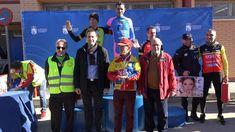 Este domingo se ha celebrado la Carrera del Pavo Paloma 2017 organizada por la Peña Ciclista Paloma y la Concejalía de Deportes de Fuenlabrada el alcalde Manuel Robles acompañado del concejal de Deportes Juan Carlos López del Amo han hecho entrega de los premios a los ganadores y ganadoras.