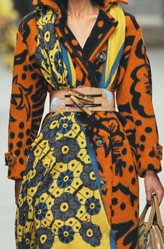 PRINTS, PATTERNS, TRIMMINGS AND SURFACE EFFECTS FROM LONDON FASHION WEEK (A/W 14/15 WOMENSWEAR) / 1 From London womenswear catwalks, beautiful details and inspirations. Burberry Prorsum