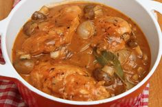 One-Pot Chicken Chasseur - Skinny Ms. French Chicken Dishes, One Pot Chicken, Cooked Chicken, Poulet Sauce Curry, Healthy Dinner Recipes, Cooking Recipes, Ginger Chicken, Main Meals, Tapas