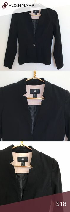 black blazer • h&m Gorgeous black blazer by H&M. The waistline and neck details make this the most flattering, versatile blazer. Pair with jeans and black booties for a casual look, or black drop kick trousers for a suit. Great condition. H&M Jackets & Coats Blazers