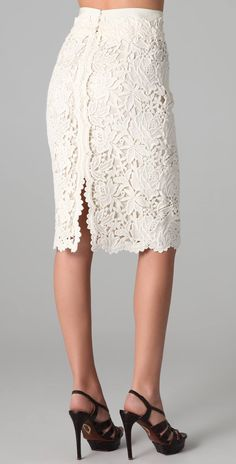 Bennet Lace Skirt by Elie Tahari / ShopBopBennet Lace Skirt, Bennet Lace Skirt I really like a phenomenal lace skirt What a cool solution to do a again slit I really like a phenomenal lace skirt What.inspiration only (can be done in Irish crochet)Che Dress Skirt, Lace Dress, Lace Skirt Outfits, Slit Skirt, Lingerie Look, Kleidung Design, Mode Crochet, Diy Crochet, Crochet Style