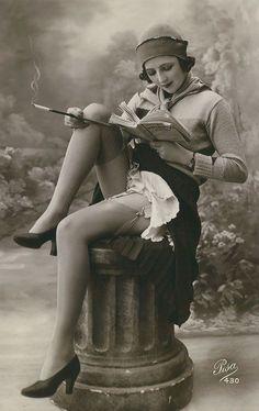 Dama com um livro - mujeres-1900-1910-4