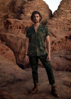 Top Model Wouter Peelen is the male protagonist of the Spring/Summer 2018 advertising campaign of Dutch label Scotch & Soda. Mens Mid Length Hairstyles, Damaris Goddrie, Soda Springs, Safari Outfits, Top Male Models, Brown Curly Hair, Summer Campaign, Scotch Soda, Spring Summer 2018