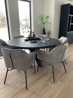 Living inspiration - dining room design Joyce dining chair with . - Living inspiration – dining room design Joyce dining chair with arm and black metal leg - Dining Room Design, Dining Room Chairs, Minimalist Dining Room, Dinner Room, Dinner Table, Dining Room Inspiration, Life Inspiration, Home And Living, Living Room